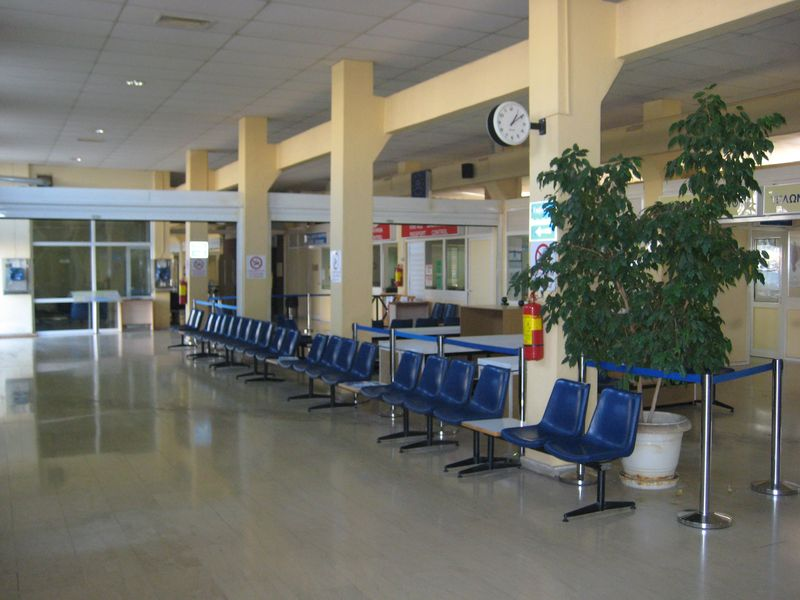 Waiting areas in the passenger terminal