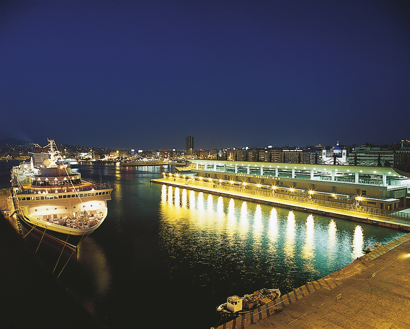 Piraeus cruise section at night