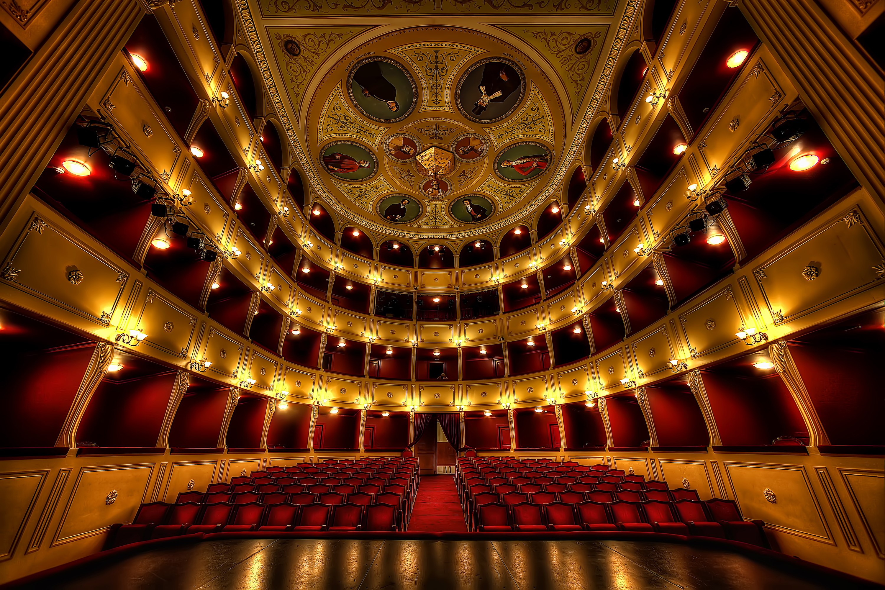 Apollon Theatre